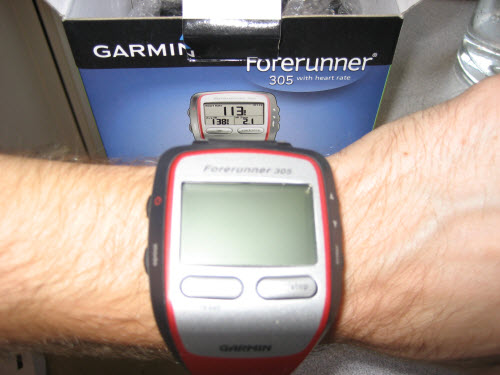 garmin-forerunner-305-gabe-wrist.jpg
